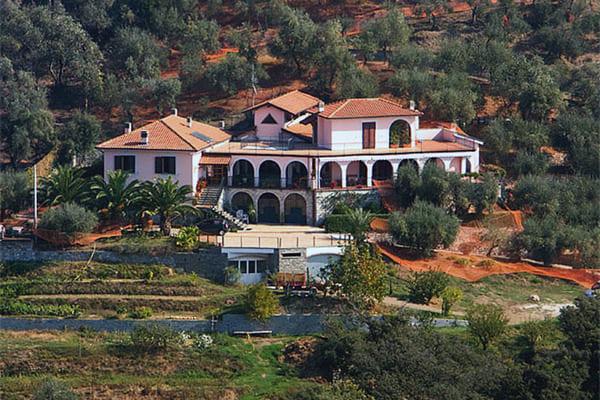 Agriturismo-Villa-Bardi