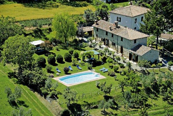 Agriturismo-toscana-con-piscina-San-Giovanni