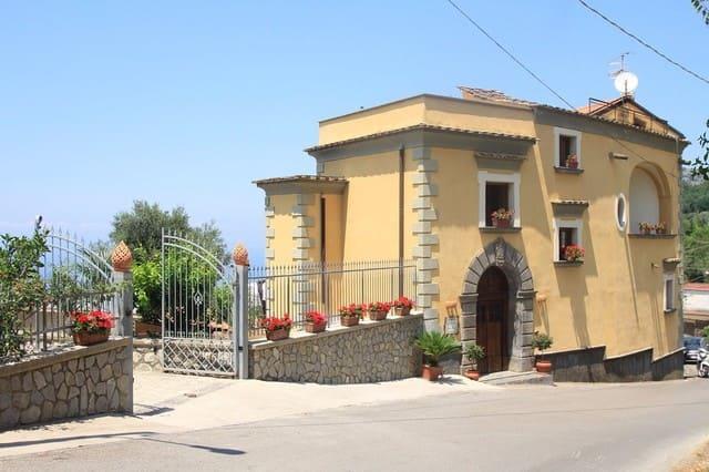 Antico-casale-Colli-di-San-Pietro