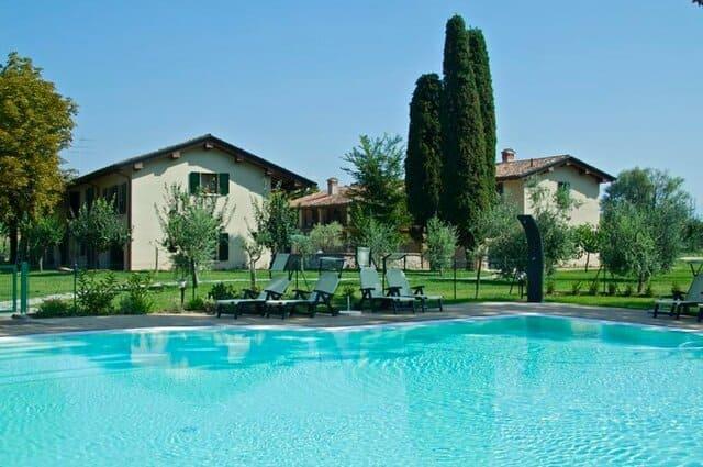 agriturismo-con-piscina-in-Lombardia-Il-Podere-degli-Ulivi
