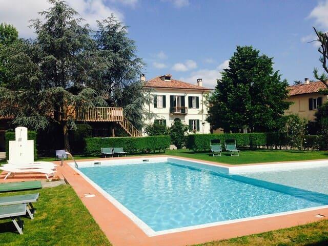 agriturismo-con-piscina-in-Lombardia-Tenuta-Camillo