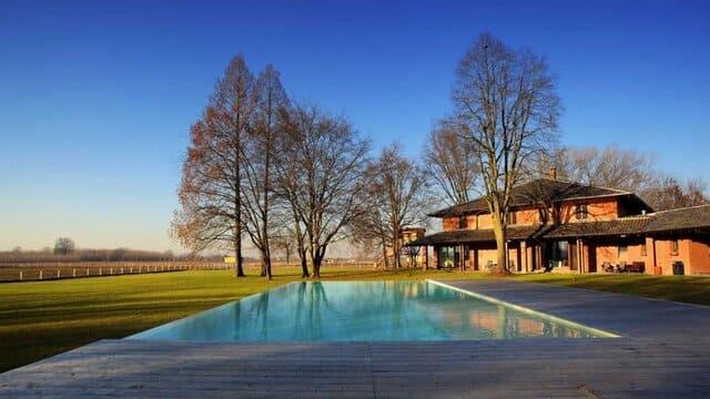 agriturismo-con-piscina-in-Lombardia-Tenuta-Il-Cigno