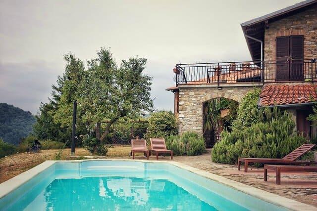 agriturismo-con-piscina-in-Lombardia-Valtidone-Verde