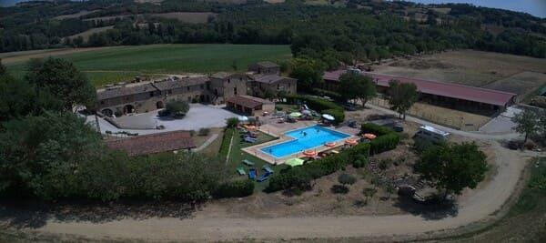 Agriturismo-Acquacalda-in-Umbria-con-piscina
