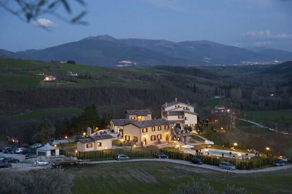 Agriturismo-Borgo-Umbro-in-Umrbia-con-piscina