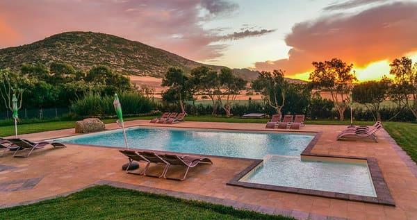 Agriturismo-Casa-Marmida-con-piscina-in-Sardegna
