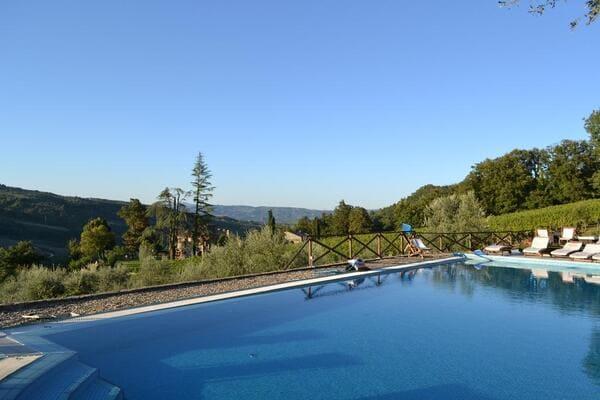 Agriturismo-Lapone-in-Umbria-con-piscina