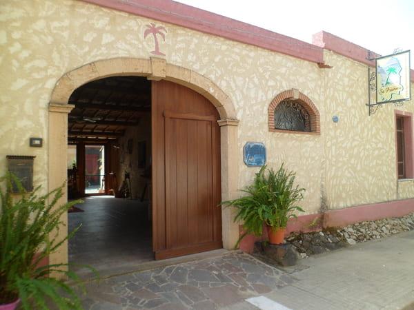 Agriturismo-Sa-Pramma-con-piscina-in-Sardegna