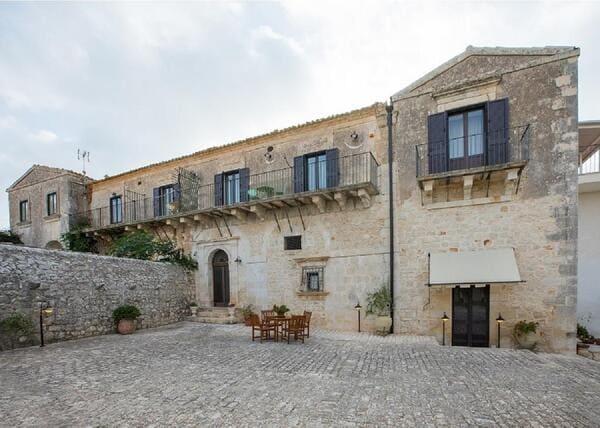 Agriturismo-Villa-Flavia-a-Ragusa