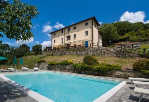 Agriturismo-Borgo-Tramonte-in-provincia-di-Arezzo