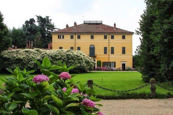 Agriturismo-Villa-Doria-Il-Torrione-a-Pinerolo